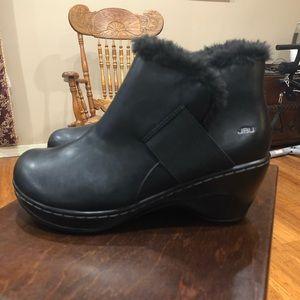"""JBU booties 10M vegan leather 3"""" wedge heel"""